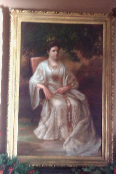 Winnie Davis Painting Photo